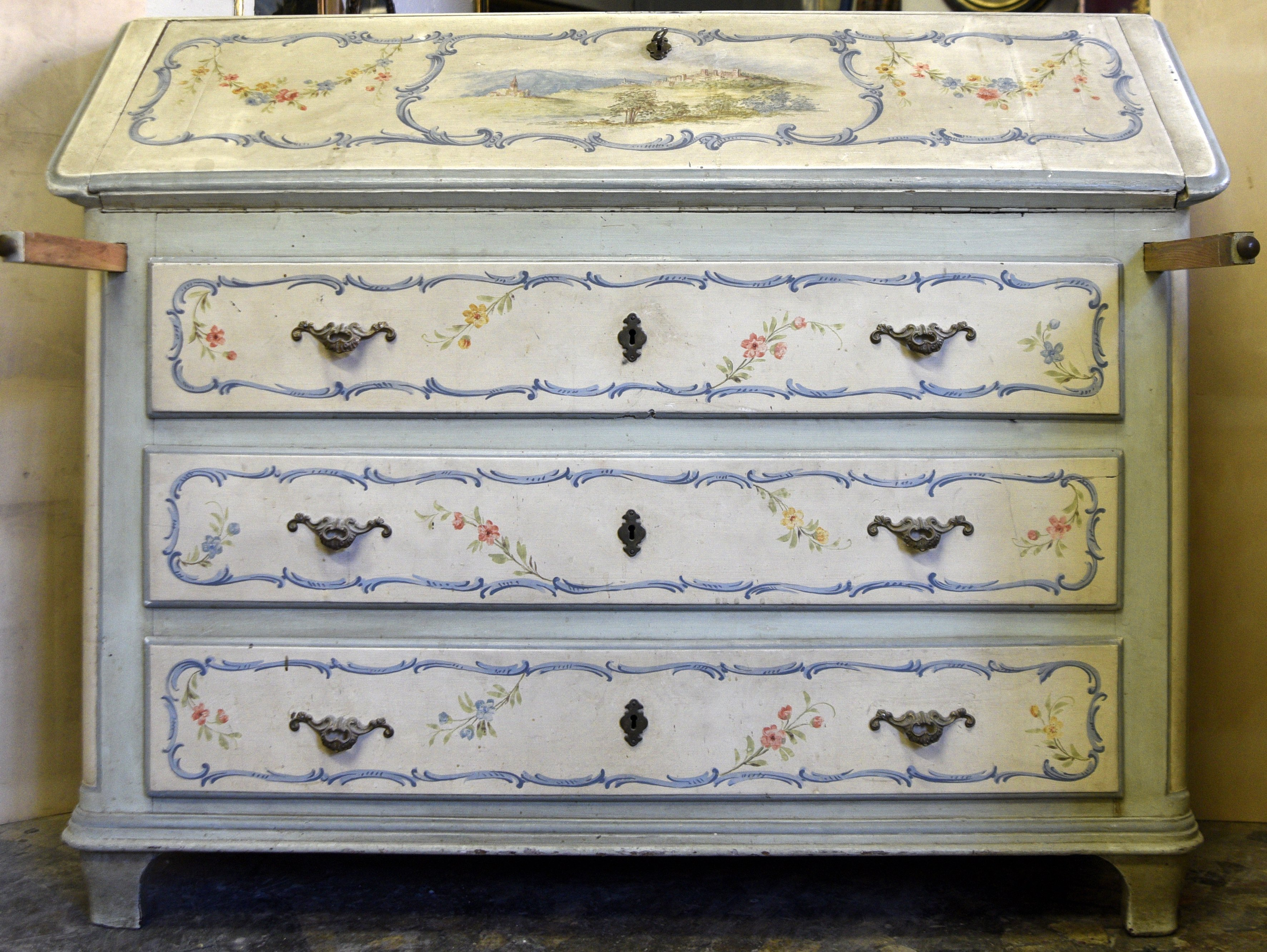 Baroque chest of drawers - Contact for price