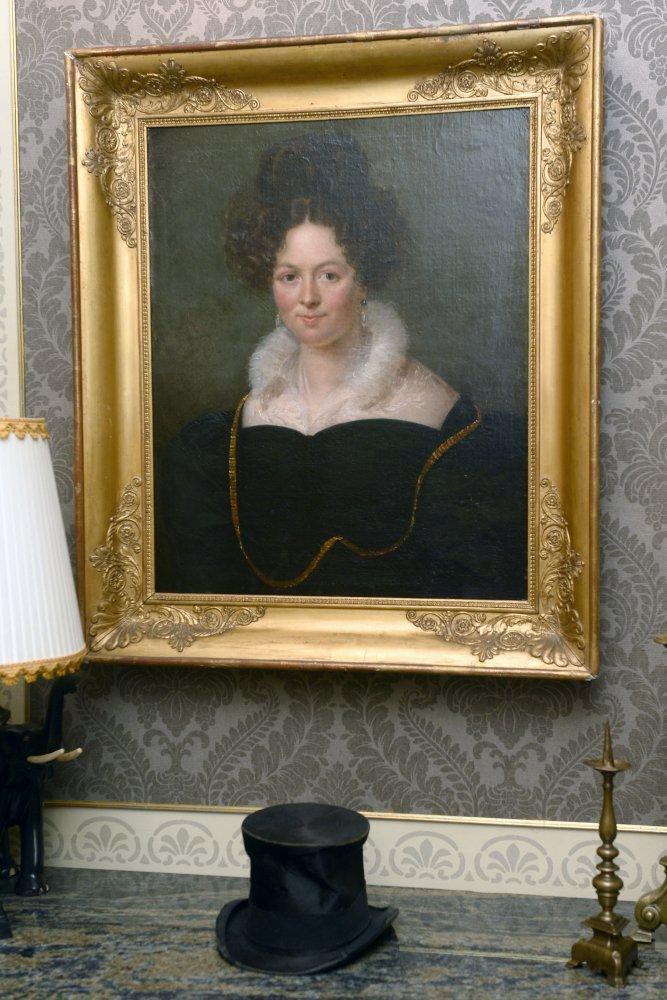 cod. D 128 - Ritratto di Dama - olio su tela - Contattare per il prezzo